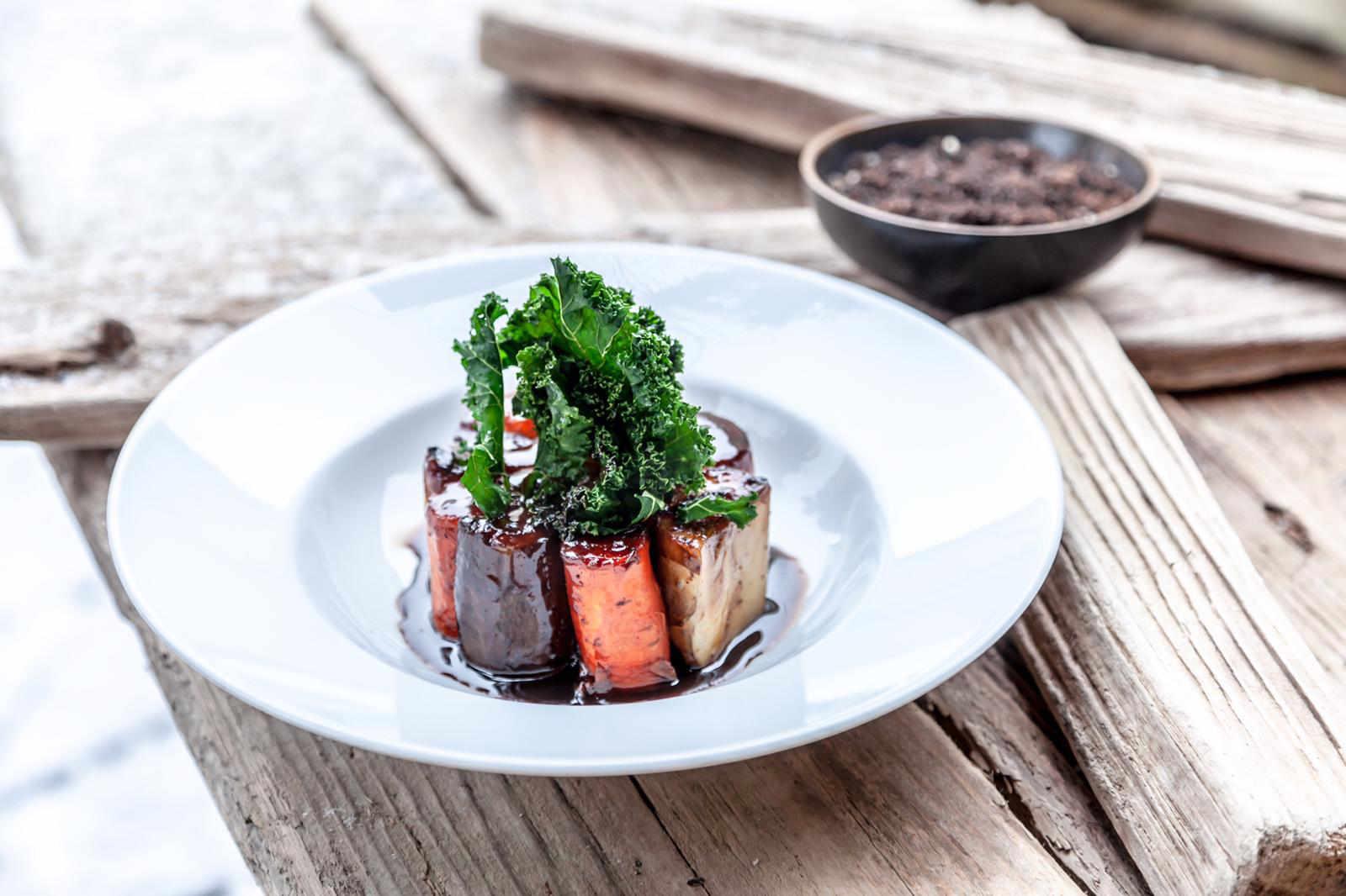Wurzelschmorgemüse mit Trüffel - Gericht im Restaurant Valentin Lindau